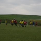 Udana inauguracja boiska piłkarskiego.